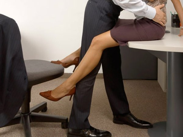 Zobacz najlepsze porno z kategorii: W biurze