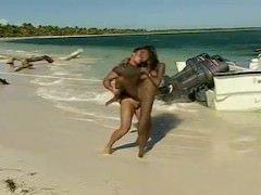 Na plaży lecą w anala