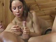 Długa zabawa w drewnianej chatce