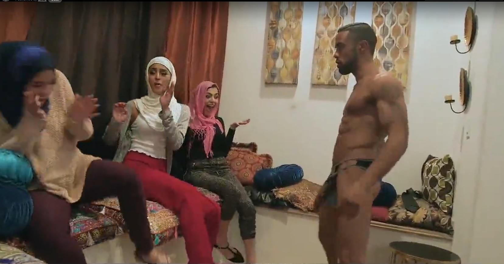 Nieśmiałe niedoświadczone dziewczyny Poonjab ruchają się w swoich hidżabach
